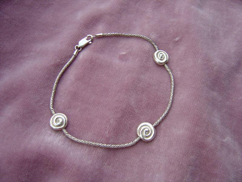 spiral-bead-bracelet