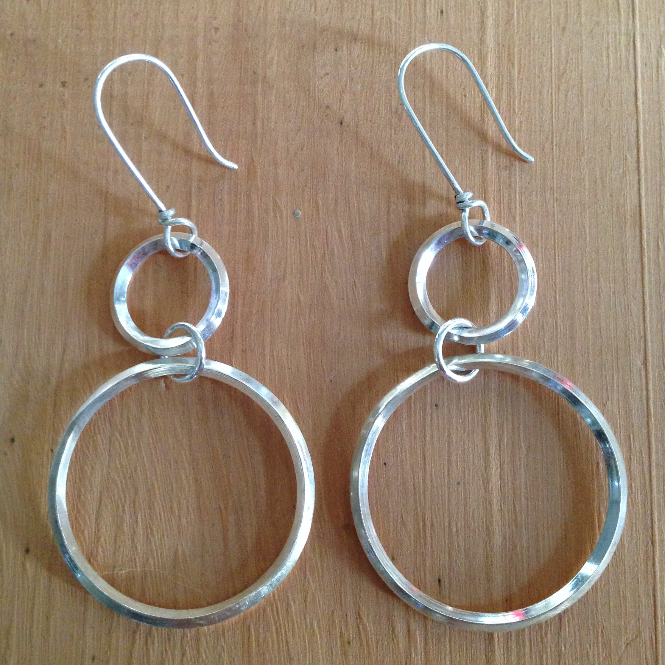 circles-earrings-sq-wire
