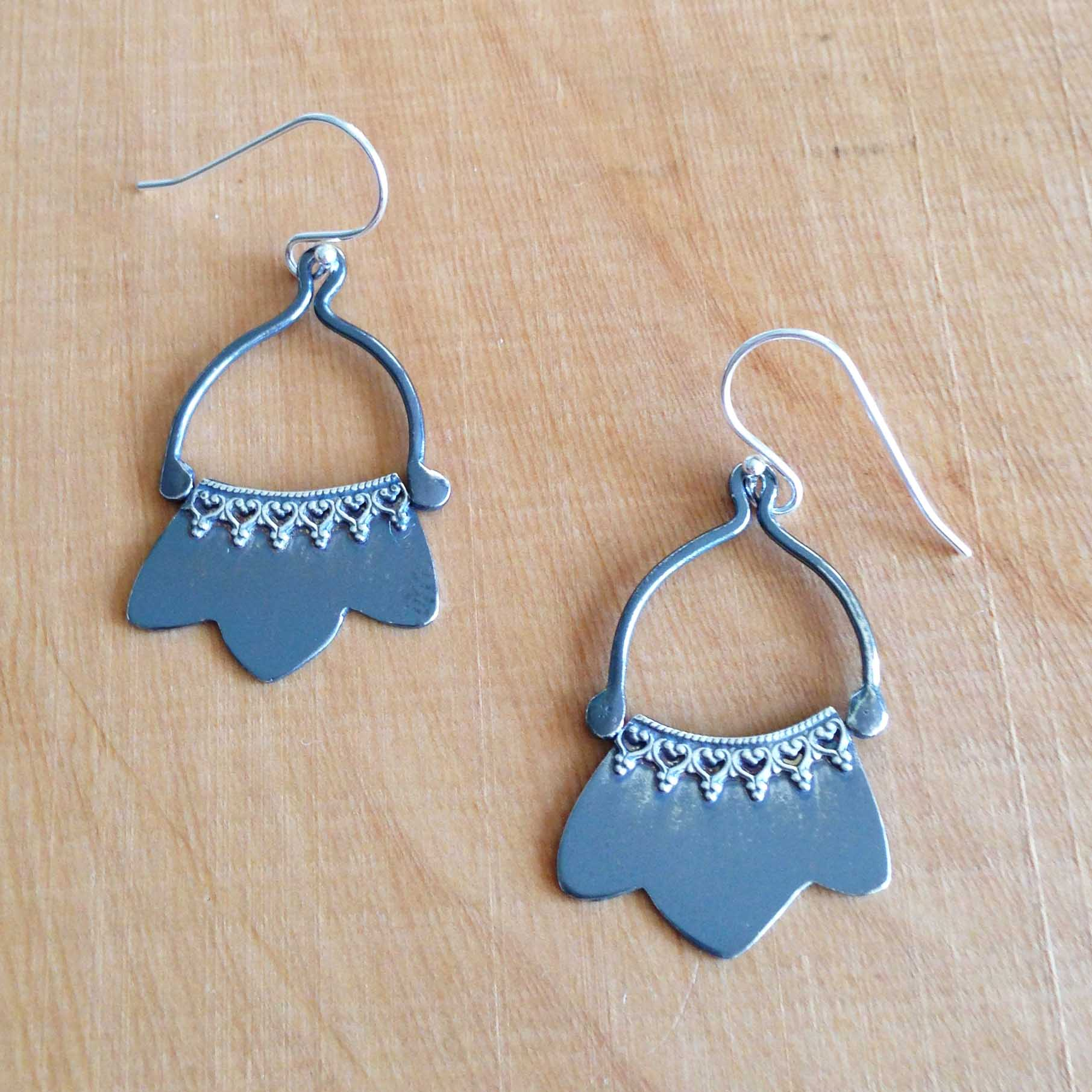 blacklace-blossom-earrings